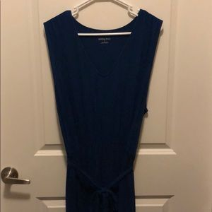 V-neck, sleeveless cotton maxi dress
